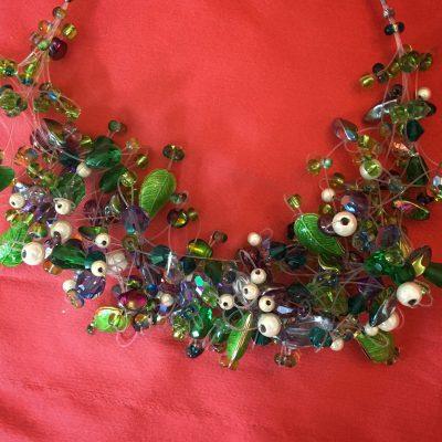 00141 Tour de cou perles diverses et cristaux Swarovski