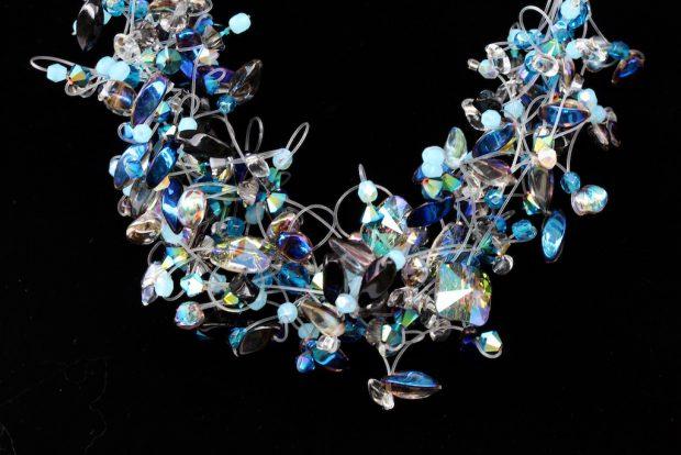 00122 Tour de cou cristaux Swarovski et perles diverses