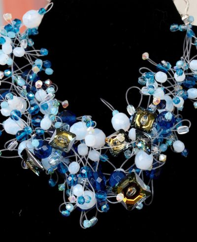 00123 Tour de cou perles diverses et cristaux Swarovski