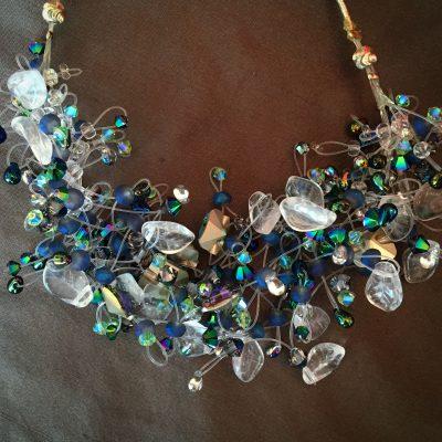 00152 Tour de cou, cristaux Swarovski et perles diverses