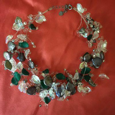 00177 Tour de cou, perles d'eau douce, perles en verre et cristaux Swarovski