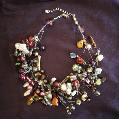 00188 Tour de cou perles d'eau douce et cristaux Swarovski