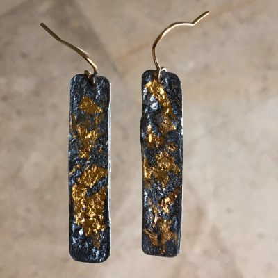 421 Boucles d'oreilles argent oxydé et or