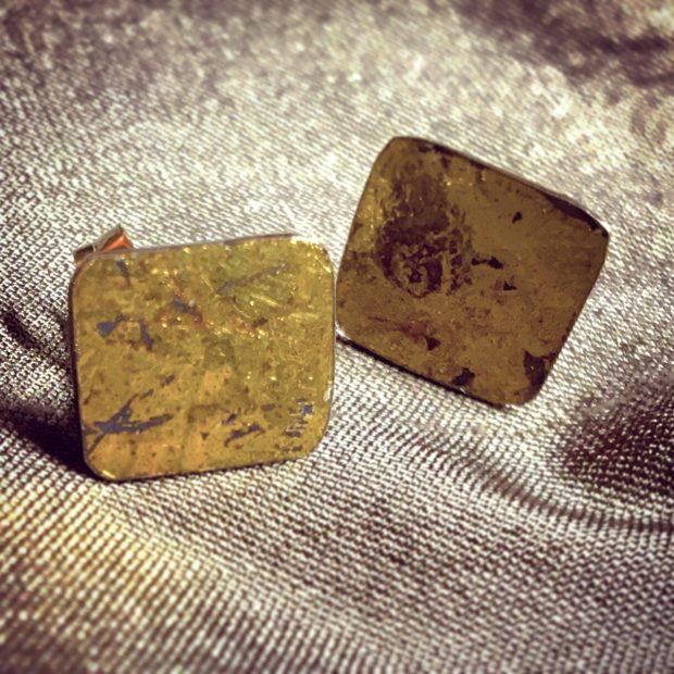 483 Boucles d'oreilles argent oxydé et feuille d'or